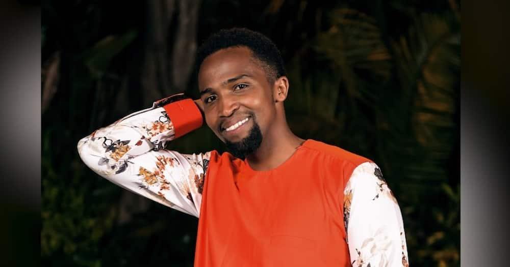 """Pascal Tokodi hysterical after spotting Uhuru taking stroll outside State House: """"Ona Selina"""""""