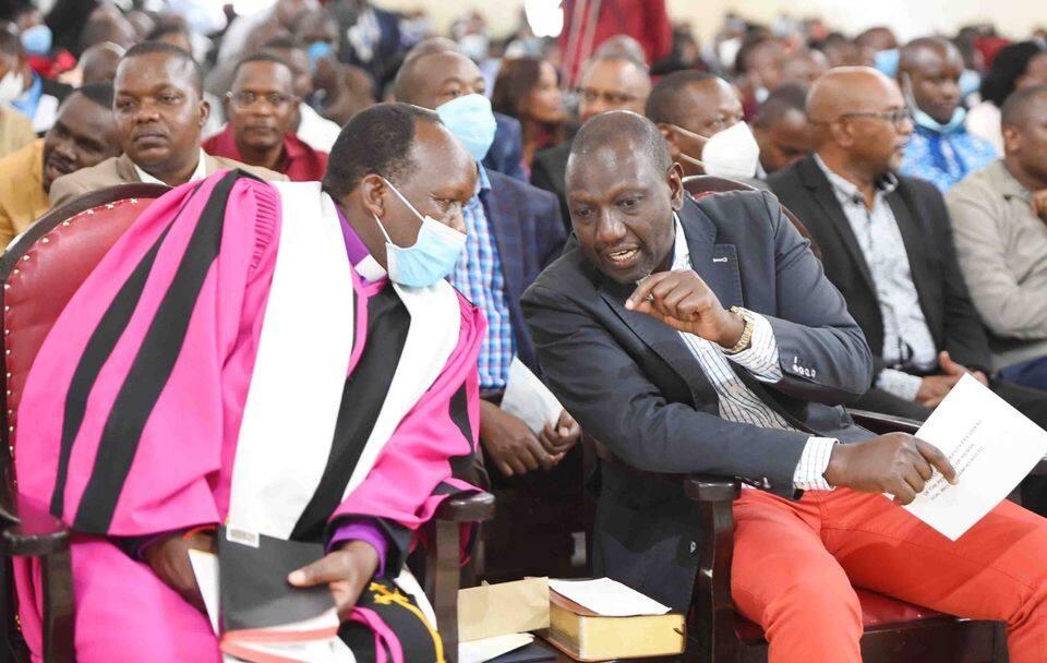 Moses Kuria akosa kuzingatia sheria za kukabili Covid-19 baada ya kupona ugonjwa huo