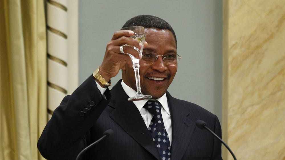 Former TZ president Jakaya Kikwete narrates how he was kicked out of school for his cheekiness
