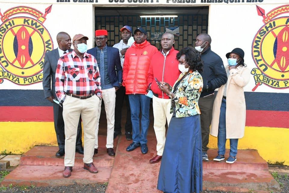 Oscar Sudi ajisalimisha kwa polisi baada ya kusakwa vikali