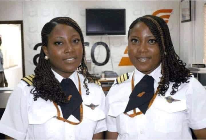 Hassana et Husiena Edili Ogaji, premières jumelles pilotes de ligne-Photo