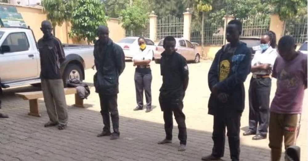 Kisumu: 5 men in court for stealing billboard, footbridge