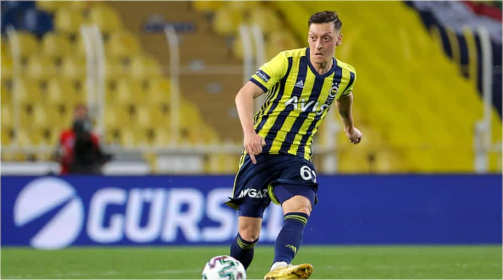 Mesut Ozil in action for Fenerbahce. Photo: BSR Agency.
