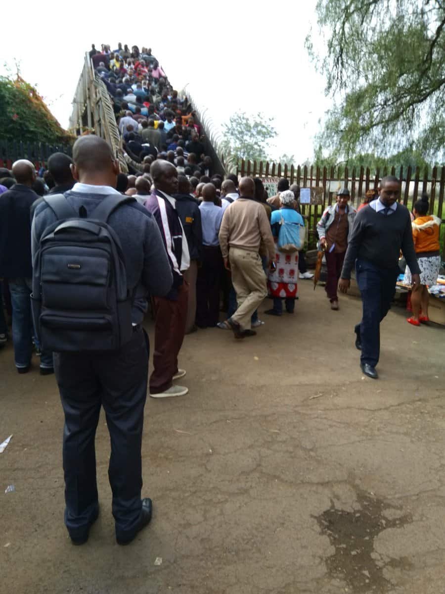 Kenya Railways warns Nairobians using railways footbridge of its imminent collapse