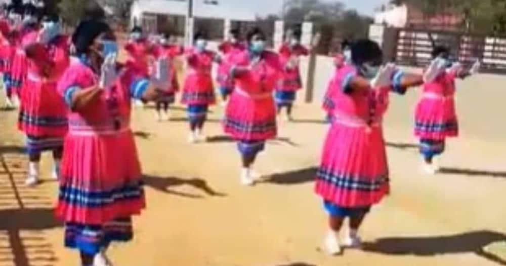 Video of Gogos doing Jerusalema challenge create smiles all around Pls export