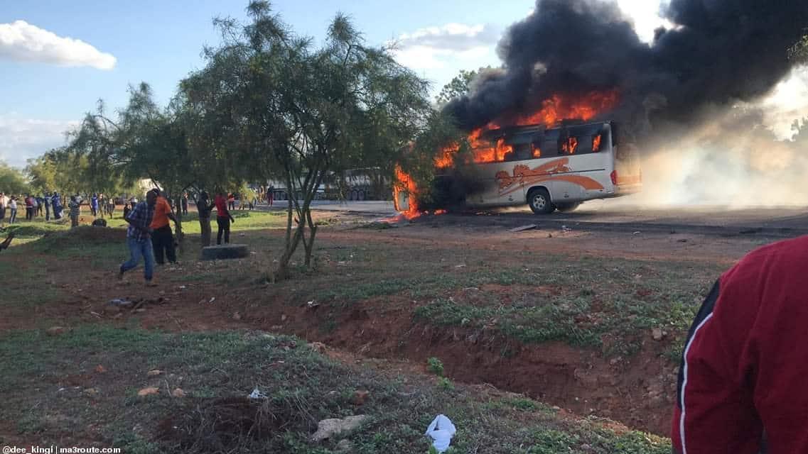Abiria 41 wanusurika kifo huku basi la Tahmeed likichomeka njiani kuelekea Mombasa
