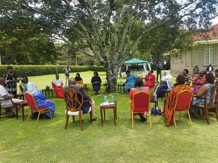 Nicholas Biwott afanya akutana na kikosi cha viongozi 17 cha wanawake kutoa Mlima Kenya