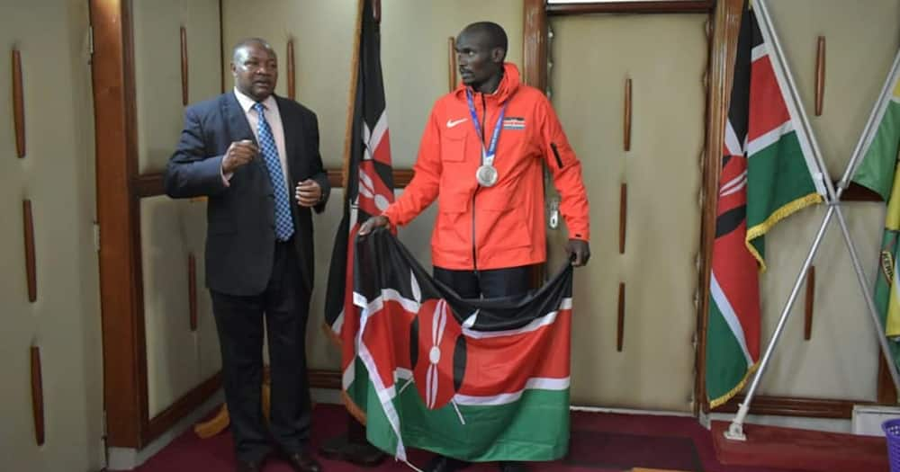 Ferguson Rotich (right) bagged silver in 800m in the Tokyo 2020 Olympics.