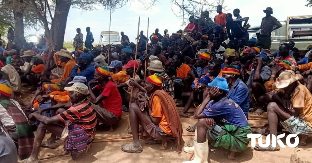 Turkana community during peace meeting. Photo: TUKO.co.ke correspondent Mercy Chebet.
