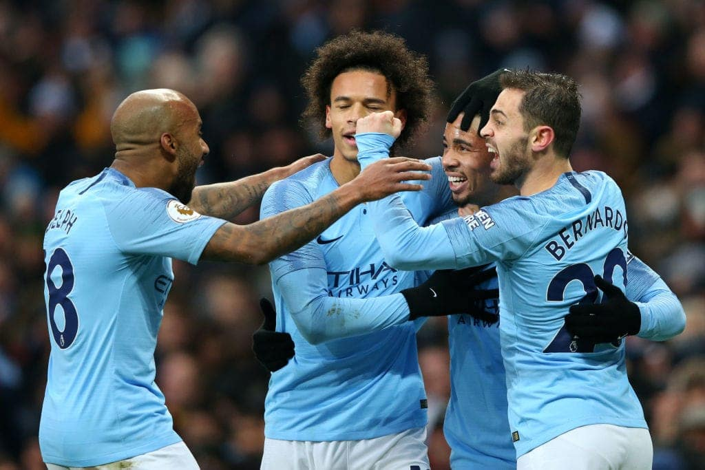Manchester City returns to top of Premier League table after beating Everton