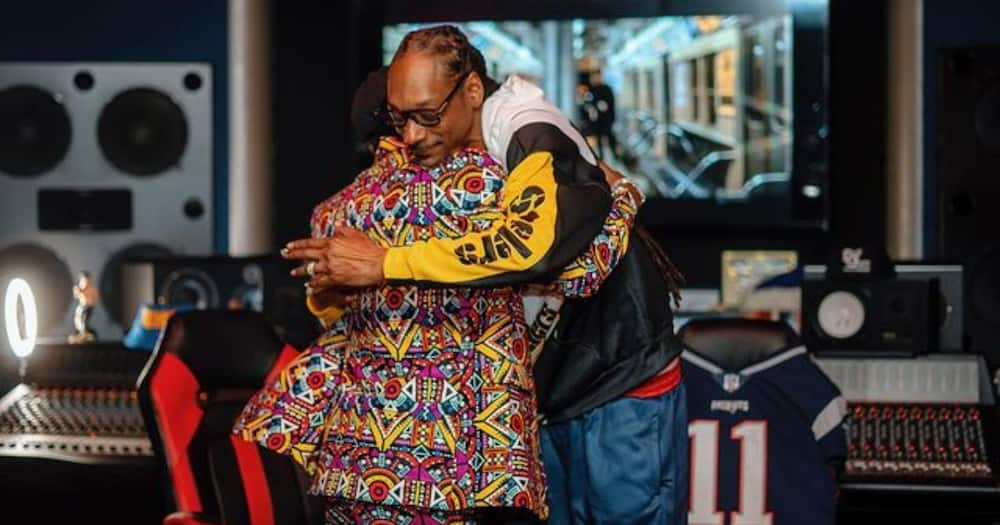 Diamond hanged out with Snoop Dogg and noted he was inspired.