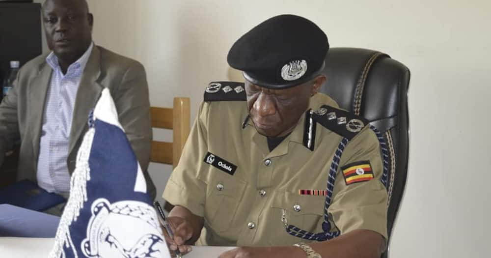 """Ugandan Cop Who Said Police Beat Up Journalists to Protect them Apologises: """"It was a Joke"""""""