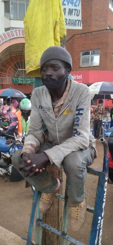 Kelvin Shaban: Journalist forced into pulling carts to survive after losing his job