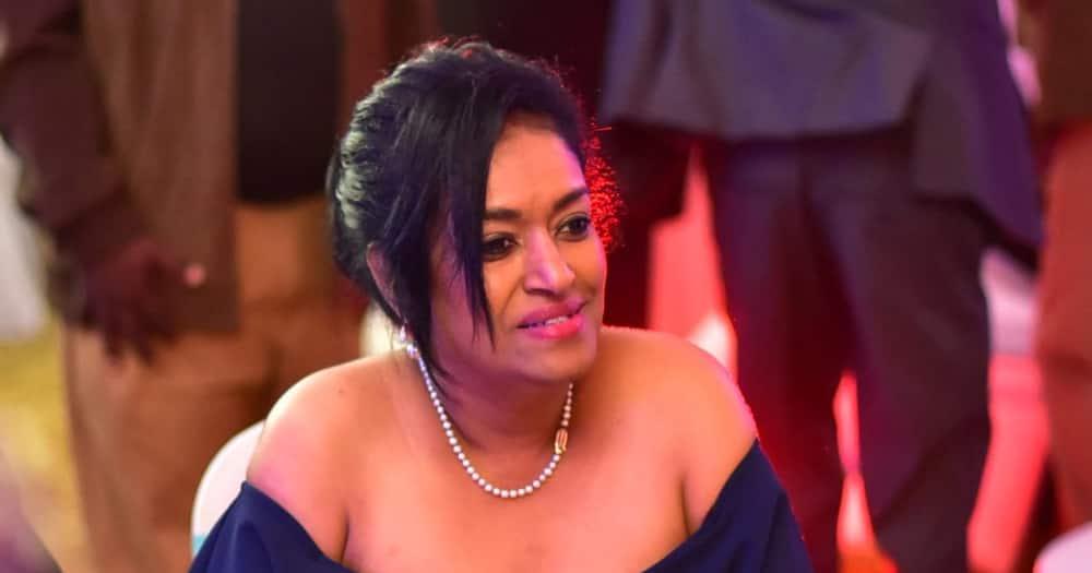 Esther Passaris amtuliza jamaa aliyeachwa na mpenzi wake siku ya wapendanao