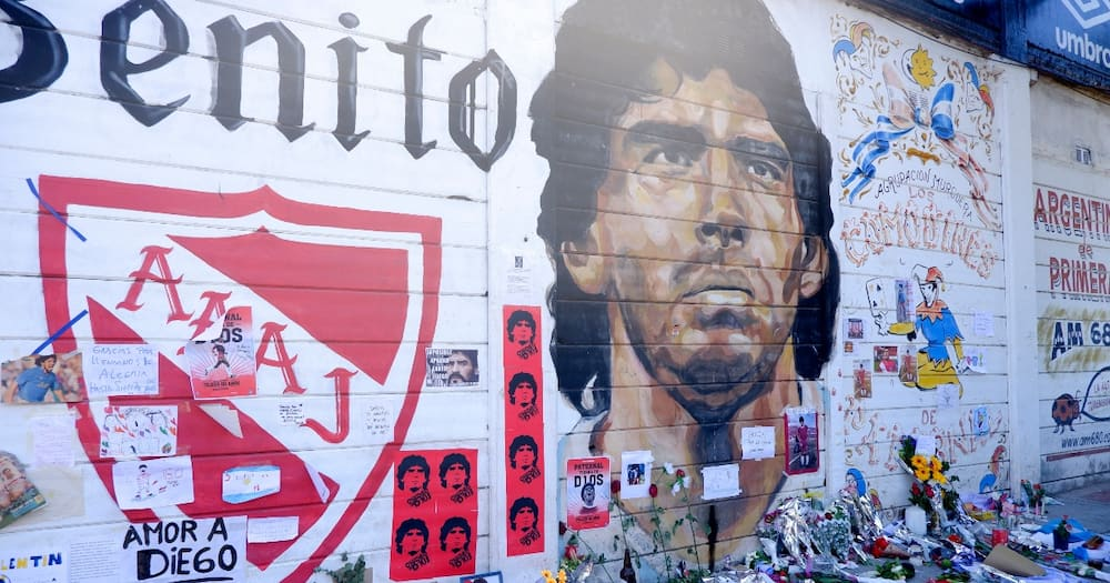 Funeral worker sacked for taking selfie with Diego Maradona's body