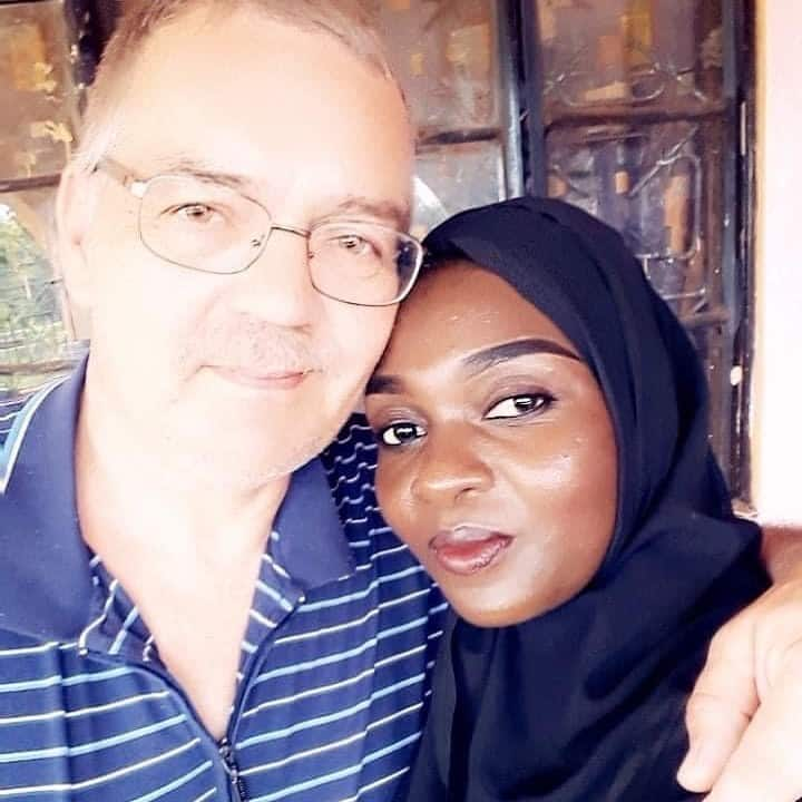Nyota Ndogo features Dutch hubby in new song Woman