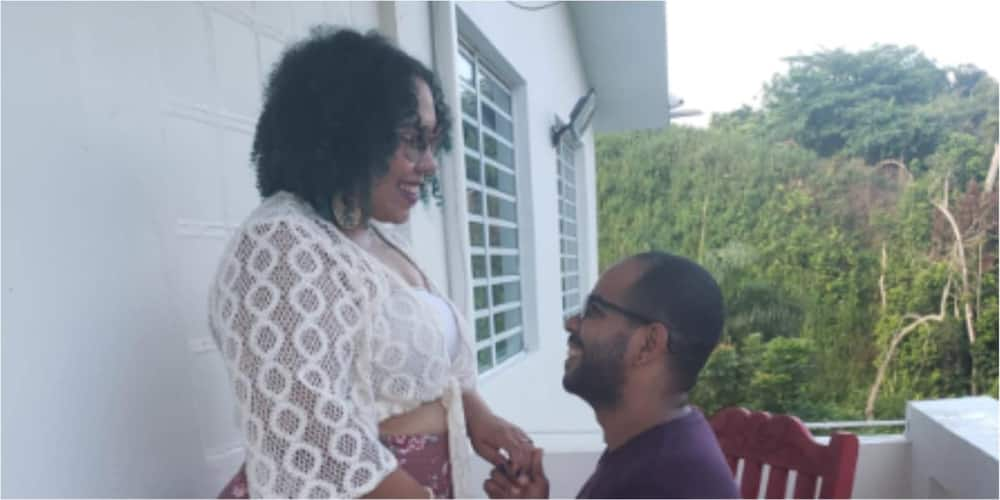 PHOTO: Pretty lady announces engagement with bae she met on Facebook with beautiful photo