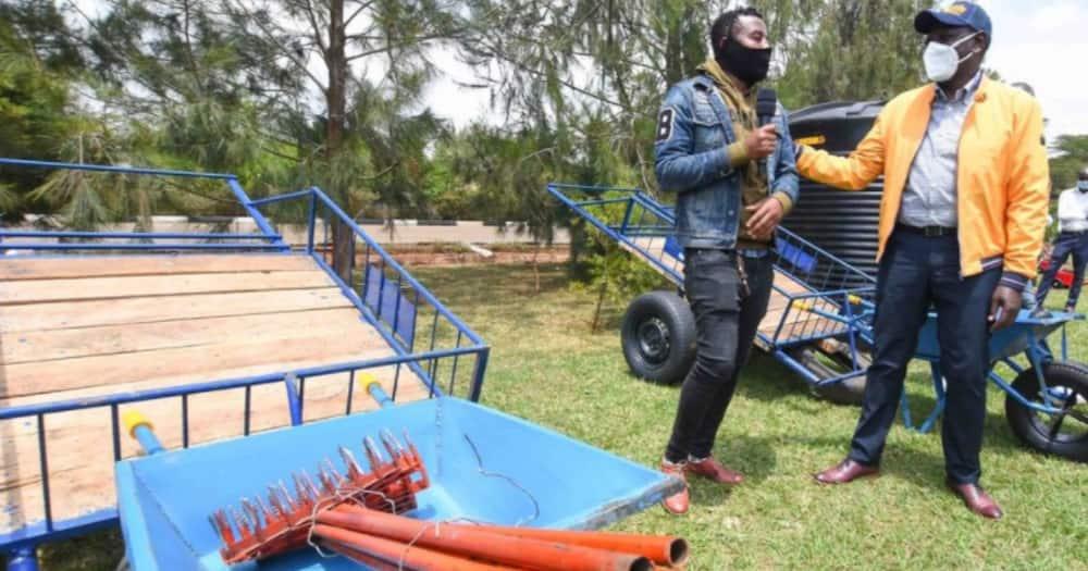 Wewe ni mkono birika acha DP Ruto atupe mapochopocho, vijana Nyanza wamwambia Raila Odinga