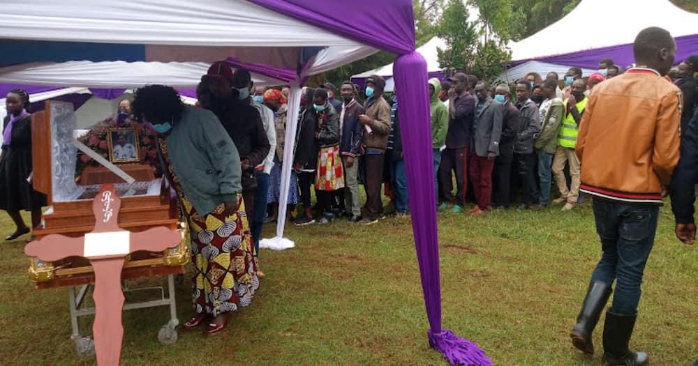 Caroline Kangogo Azikwa Kama Raia, Familia Yamvisha Nguo ya Harusi