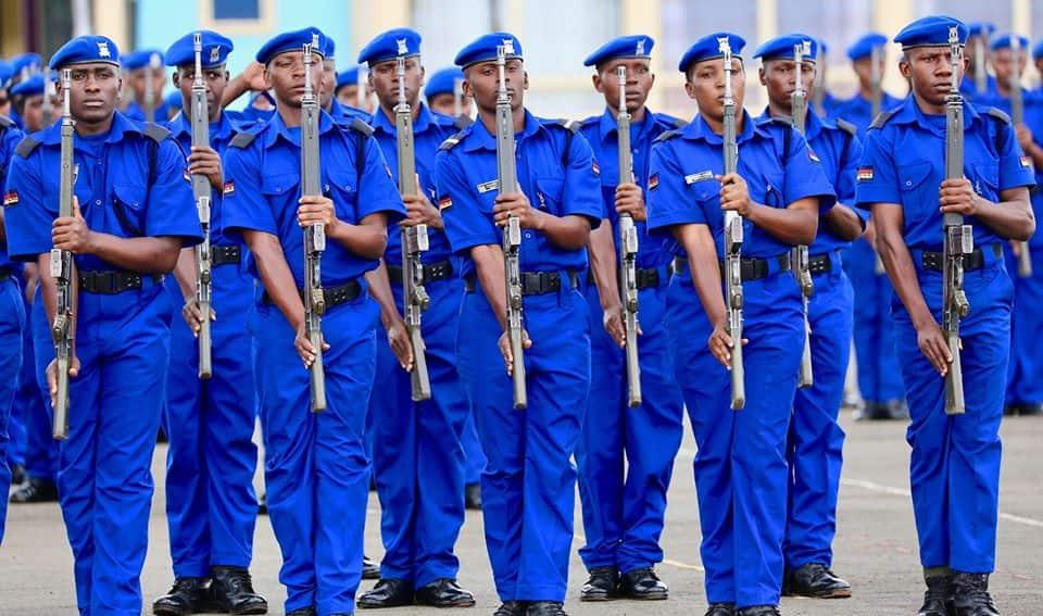 Siaya: Afisa wa polisi aliye na bunduki yake atoweka na mtoto wake baada ya kuinyakua 'pin' ya M-Pesa ya mke wake
