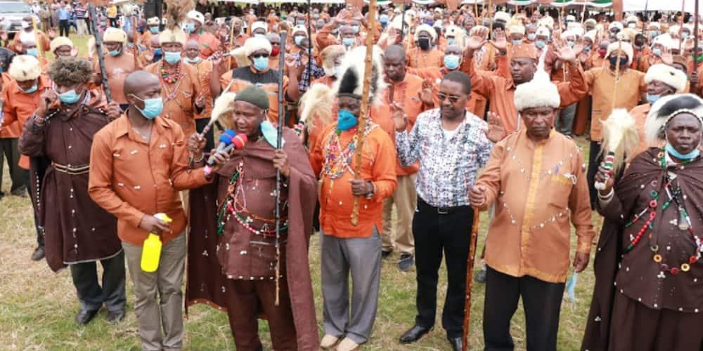 Wazee wa Kikuyu Watakasa Madhabahu ya Mukurwe wa Nyagathanga