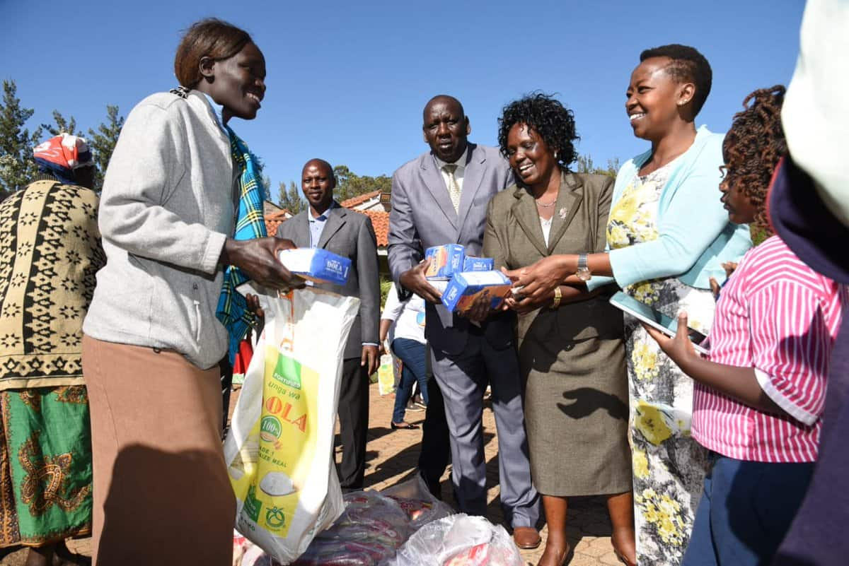 William Ruto gifts villagers with goats, wheat flour for Christmas celebrations
