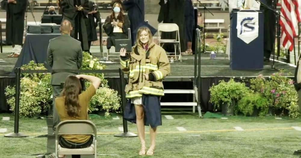 Lady Dons Late Dad's Firefighting Jacket Over Graduation Gown 2 Days After He Was Killed On Duty