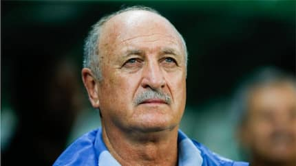 Ex-Chelsea boss Scolari cuts press conference short and leaves in pain