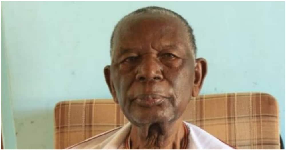 Mzee David Ajwang Nyakwamba's death was announced by his son, senator Kajwang.