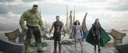 Superhero movie Thor Ragnarok cast names and characters
