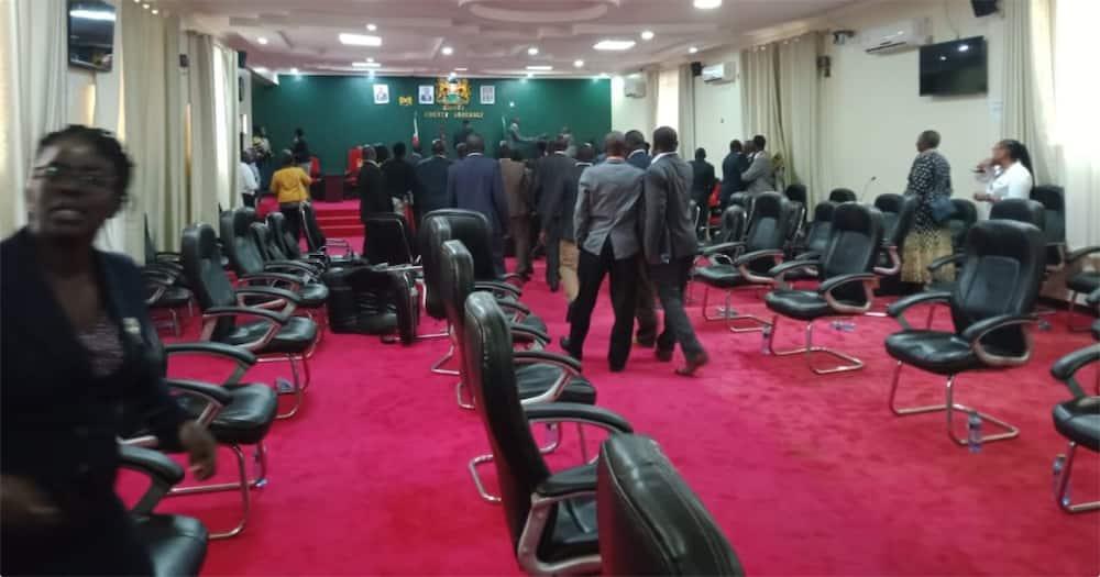 Okoth Obado: Chaos erupt in Migori as MCAs clash over governor's ouster motion