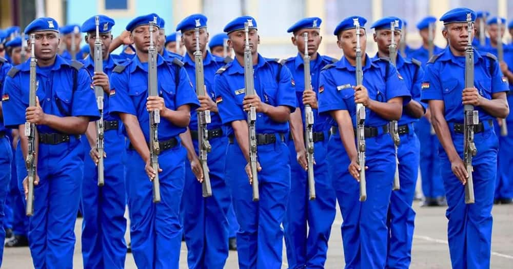 Nairobi police officers forced to wear new uniform to work, old attire forbiden