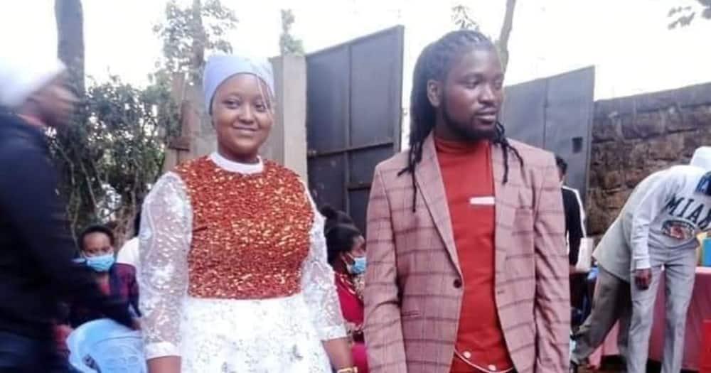 Mukurino Meets Rasta: Wapenzi Hawa Wawili Wasisimua Mtandao