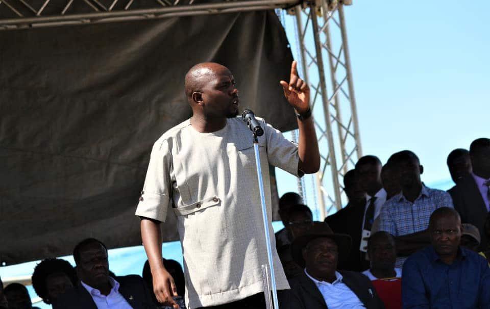 Kenyans impressed with Murkomen's powerful speech at Raila's backyard