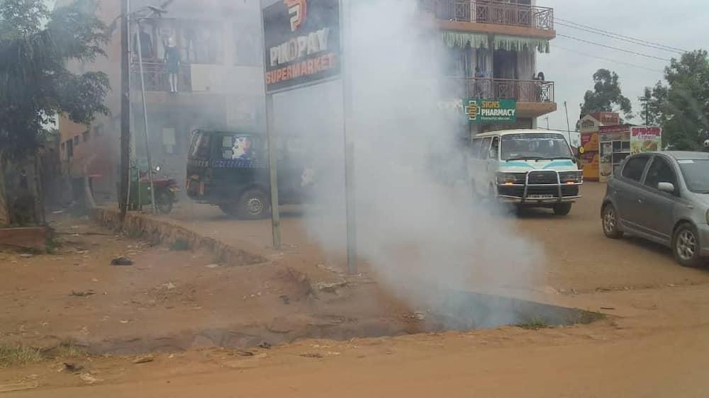 Polisi wa Museveni wamkamata Bobi Wine, wavuruga mkutano wake