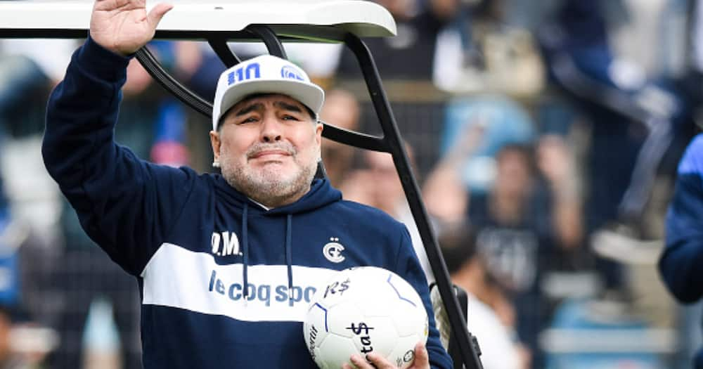 Diego Armando Maradona greets fans during his presentation as new coach of Gimnasia in 2019. Photo by Marcelo.