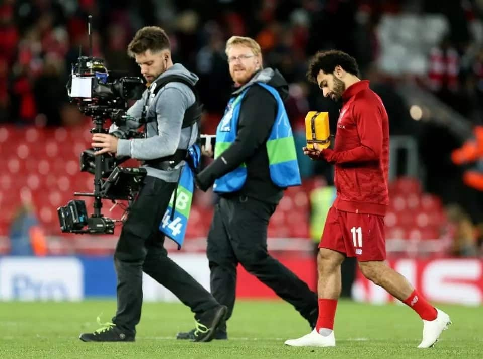 Liverpool fan gives Salah a gift after Champions League win over Red Star