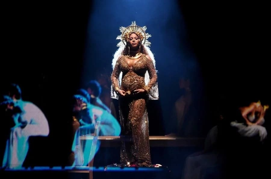 Beyonce transforms into Osun for the Grammy's