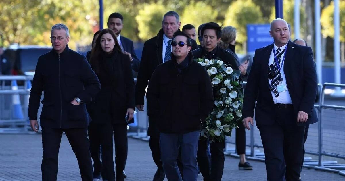 Tears as family of late Leicester City owner pay tribute (photos)